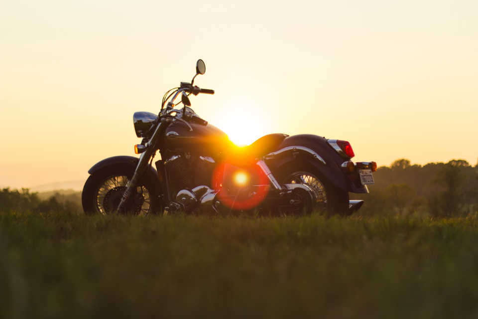 etehad-law-internal-sunset-summer-motorcycle-960x640-50%q